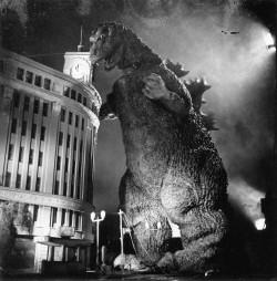 Godzilla_ginza2